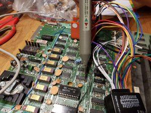 Mit der Logiprobe wird der defekte Pin/Chip ermittelt.