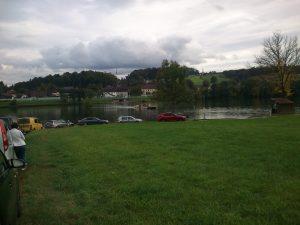Warteschlange vor der Donaufähre