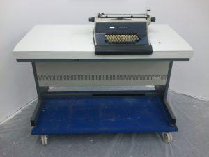 Taylorix Computer 510 auf Rollwagen für den Transport