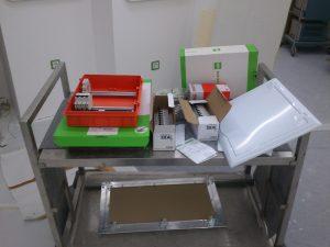 Installationsmaterial aus dem Paket