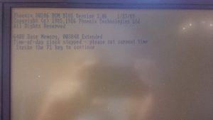 LCD-Schirm mit BIOS-Boot-Meldungen