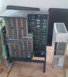 Backplane mit IO, CPU und Speicherboards