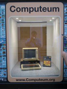 BBC Microcomputer im Schaufenster mit Software 'I do'